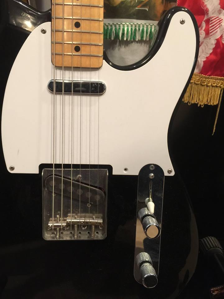 En gammal elgitarr kan ge en bättre upplevelse än en ny! Ofta behöver elektroniken ses över, kontakter och kontroller bytas, halsen justeras, strängar bytas och instrumentet intoneras. Sedan har man ett instrument som kan vara bättre än nytt!