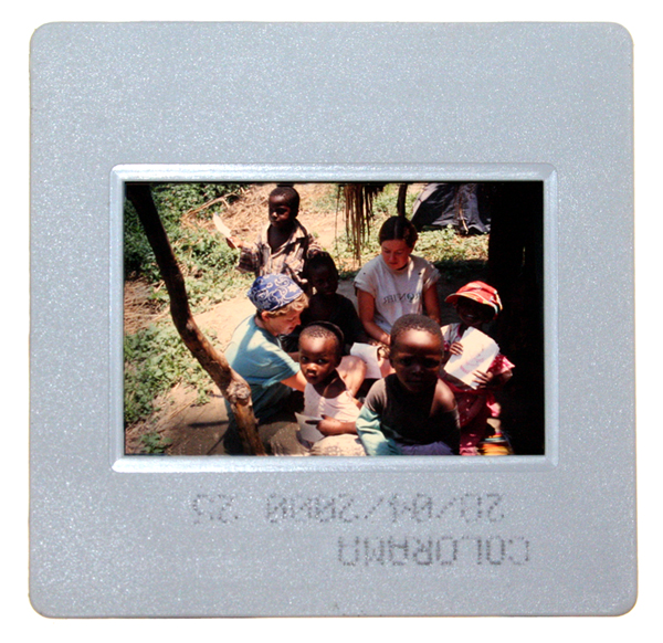 På diabilder och negativ döljer sig många fantastiska bilder som har glömts bort.